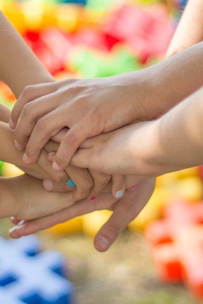 Kinderhanden.jpg